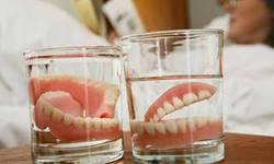 Photo: désinfection des prothèses dentaires